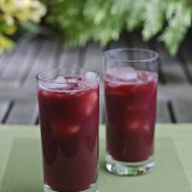 Beetroot, pomegranate & orange smoothie