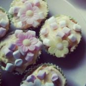 Marshmallow & Sugar Flower Cupcakes