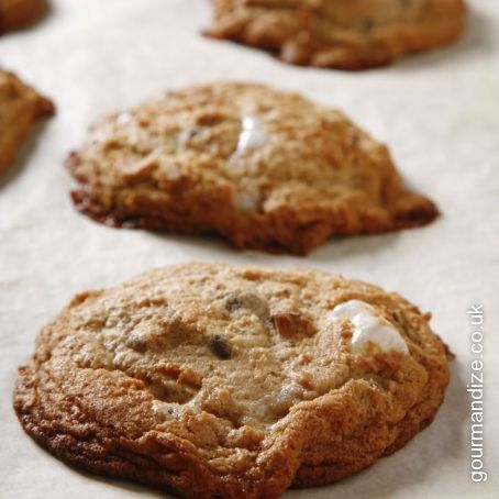 Amazing Soft & Chewy White Chocolate Chip Cookies