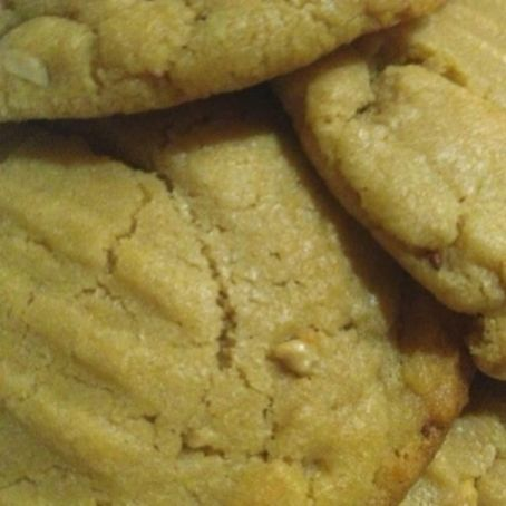 Best EVER Peanut Butter Cookie Recipe