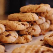 PEANUT AND CHOC CHIP COOKIES