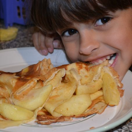 Apple pancakes with cinnamon