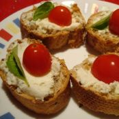 Easy Boursin Bruschettas