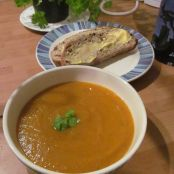 Quick Carrot & Coriander Soup