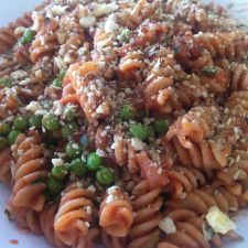 Pasta with wine sauce and peas