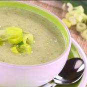 Potato and leek soup with spring onion