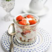Sweet Eve Strawberry Cranachan with Homemade Granola and Yoghurt