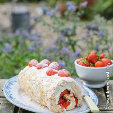 Strawberry Meringue Roulade Cake Recipe