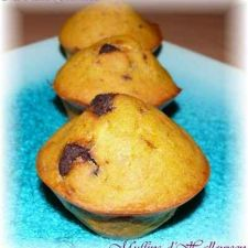 Halloween pumpkin and choc chip muffins