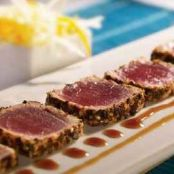 Red tuna tataki with sesame and mint green tea