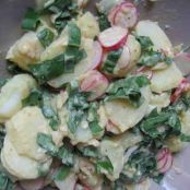 Potato salad with wild garlic