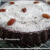 Soft-centred chocolate and pecan cakes