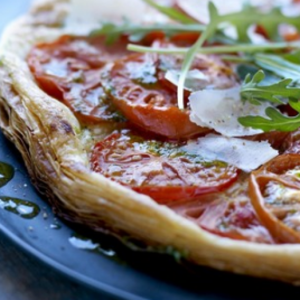 Puff pastry tomato tart with rocket pesto