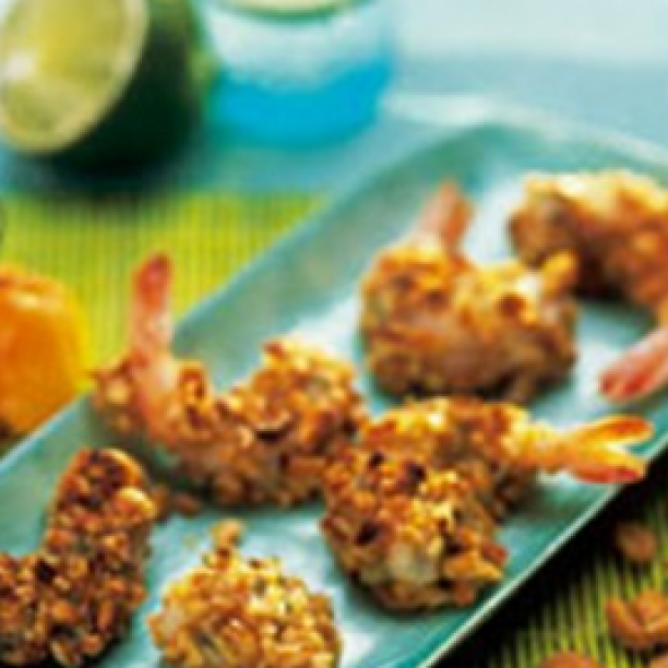 Crispy prawns with peanuts