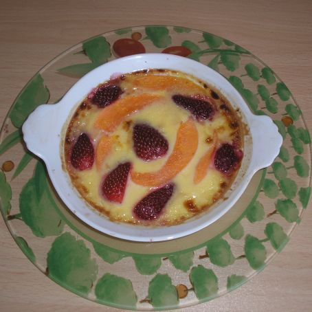 Strawberry and melon crème brulée