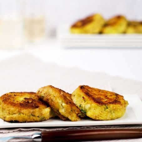 Cauliflower and potato patties with blue cheese
