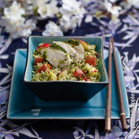 Thai style rice salad with chicken, Pink Lady® apple and mango